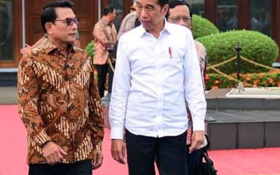 Reshuffle Kabinet: 10 Menteri Out, Jokowi Makin Bingung