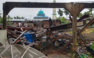 Bayi 4 Bulan Menjadi Korban Angin Kencang di Riau
