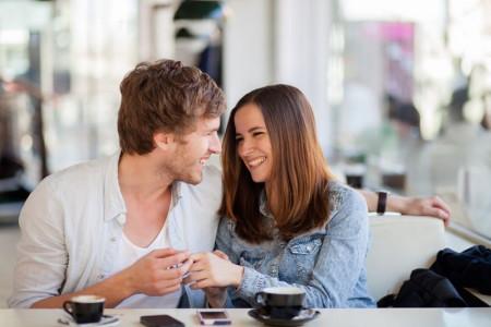 Hati-Hati Ladies, Ini 4 Cara Hindari Rayuan Gombal Pria