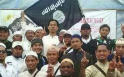 Ada Foto Munarman dengan Bendera ISIS, Husin Alwi PSI Bilang…