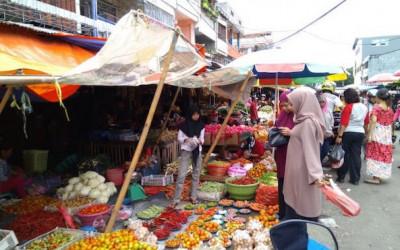 Emak-Emak Ingat! Pasar Tradisional Dilarang Pakai Kantong Platik