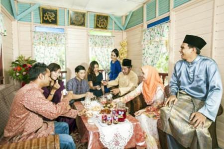 Adab Silaturahmi Lebaran, Tolong Jangan Tanyakan Hal Sensitif Ini