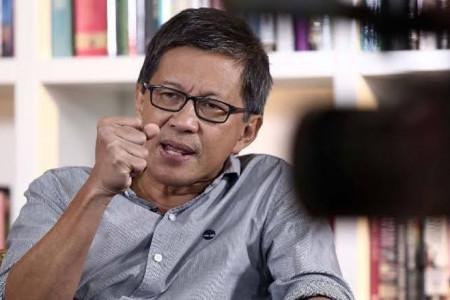 Mendadak Rocky Gerung Tantang KPK: Silakan Pecat, Nanti Rakyat...