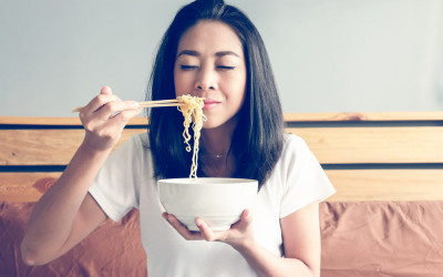 Makan Mi Instan Saat Hamil Bisa Bikin Cepat Lapar