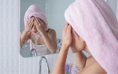 4 Tanda Sabun Cuci Muka yang Kamu Pakai Tidak Cocok