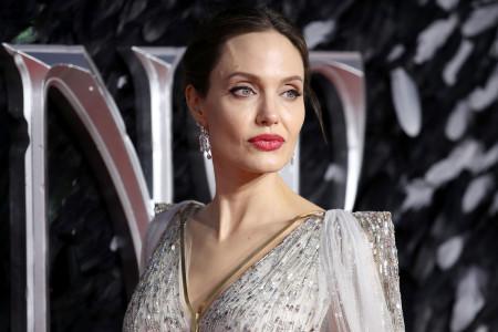 Angelina Jolie Tertarik Jajal Industri Film Korea