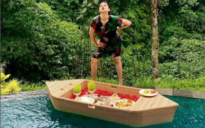 Tampil di Kolam Renang, DJ Katty Butterfly Banjir Pujian