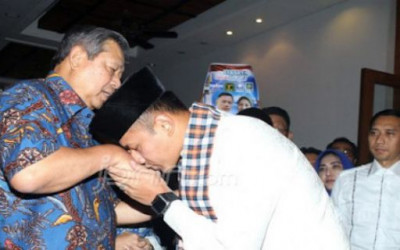 Gaya Kepemimpinan SBY dan AHY Bagaikan Langit dengan Bumi