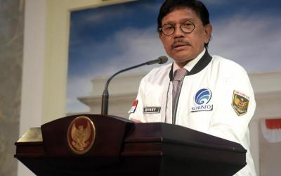 Perombakan Kabinet Jadi Melebar, Menteri Johnny Plate Disebut