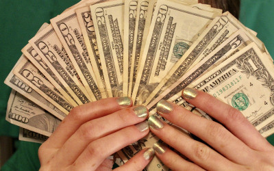 Rezeki Enggak ke Mana, 4 Zodiak Ketiban Uang Kaget, Bahagianya!