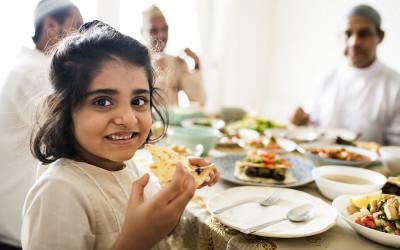 Bunda, Begini Cara Mengajari Anak Tentang Istimewanya Ramadan