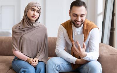 Wahai Istri, Inilah Doa agar Suami Tidak Mencintai Wanita Lain