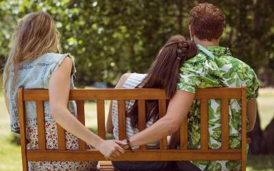 Ungkap Perselingkuhan Pasanganmu dengan 7 Pertanyaan, Buktikan!