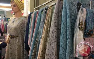 Cara Merawat Baju Berbahan Brokat Anti Rusak