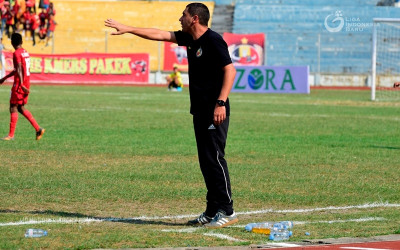 Mantan Pelatih Semen Padang Resmi Besut Arema FC