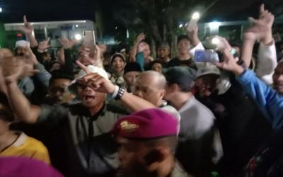 Gemuruh Takbir Iringi Kepulangan Tim BPN Prabowo dari Gedung MK