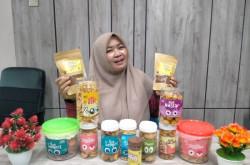 Warga Bojonegoro Banting Setir Jual Makanan Kering, Tak Sia-sia   Genpi.co - Palform No 1 Pariwisata Indonesia
