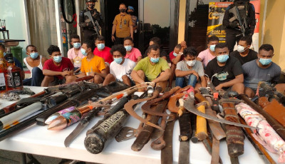 Polisi Mendapat Perlawanan Saat Menggerebek Kampung Ambon | JPNN.com
