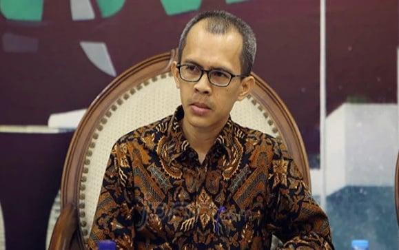 Heboh Mafia Alutsista, Akademisi Al Azhar Bongkar Bu Connie - Pengamat Politik Universitas Al Azhar Indonesia Ujang Komarudin (Foto: JPNN.com/GenPI.co)