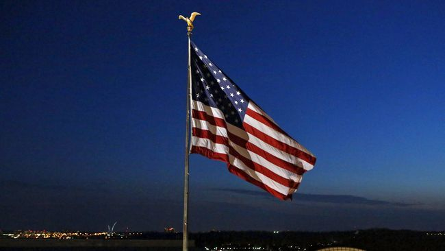 Ilustrasi-Bendera Amerika Serikat. Foto: Yuri Gripas/Reuters.