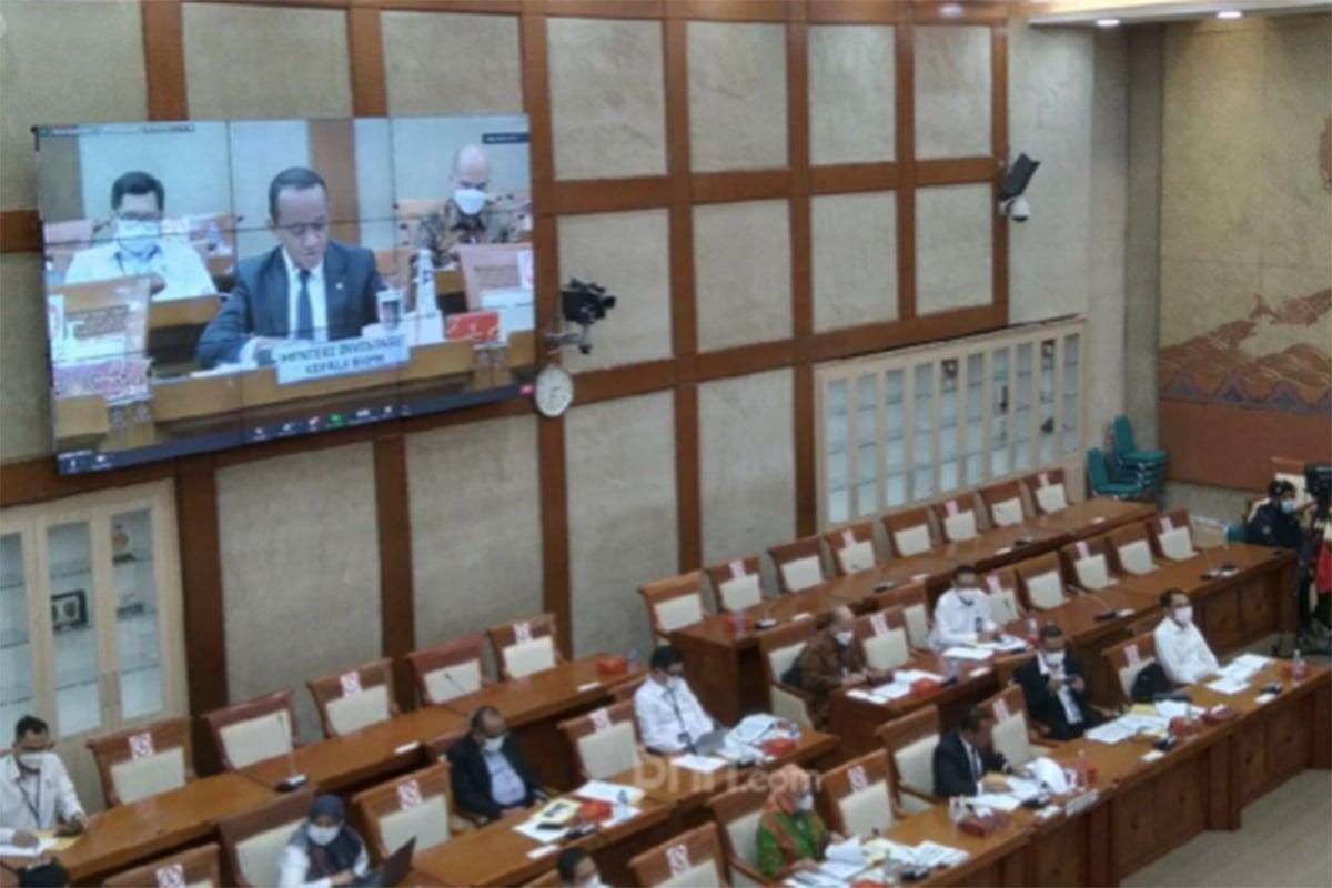 Suasana rapat kerja anggota Komisi VI DPR RI dengan Menteri Investasi di komplek Parlemen, Senayan, Jakarta Pusat, Senin (31/5) Foto : Kenny Kurnia Putra/JPNN.com