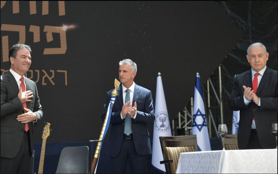 Dari kanan ke kiri, Perdana Menteri Benjamin Netanyahu, kepala Mossad Baru David Barnea dan eks kepala Mossad Yosi Cohen. (Foto Kobi Gideon/GPO via Time of Israel)
