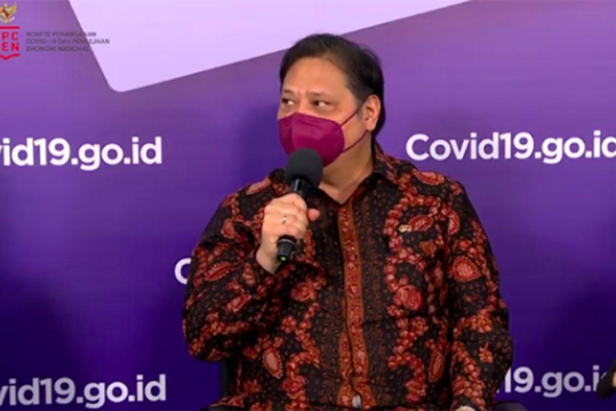 Ketua Komite Penanganan Covid-19 dan Pemulihan Ekonomi Nasional (KCPEN) Airlangga Hartarto. Foto: Screenshot Zoom