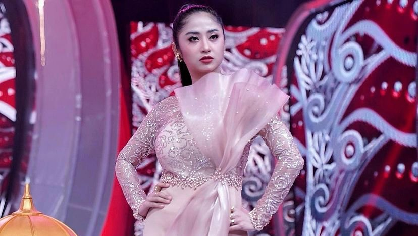 Dewi Perssik. Foto: Instagram @dewiperssikreal