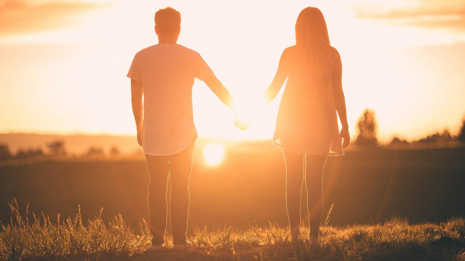 Punya hati yang murni, kerap kali membuat lima zodiak ini mendapatkan pasangan yang salah. (foto: pixabay)