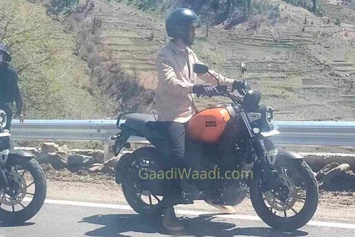 Yamaha FZ-X saat melakukan pemotretan iklan. Foto: Gaadiwaadi