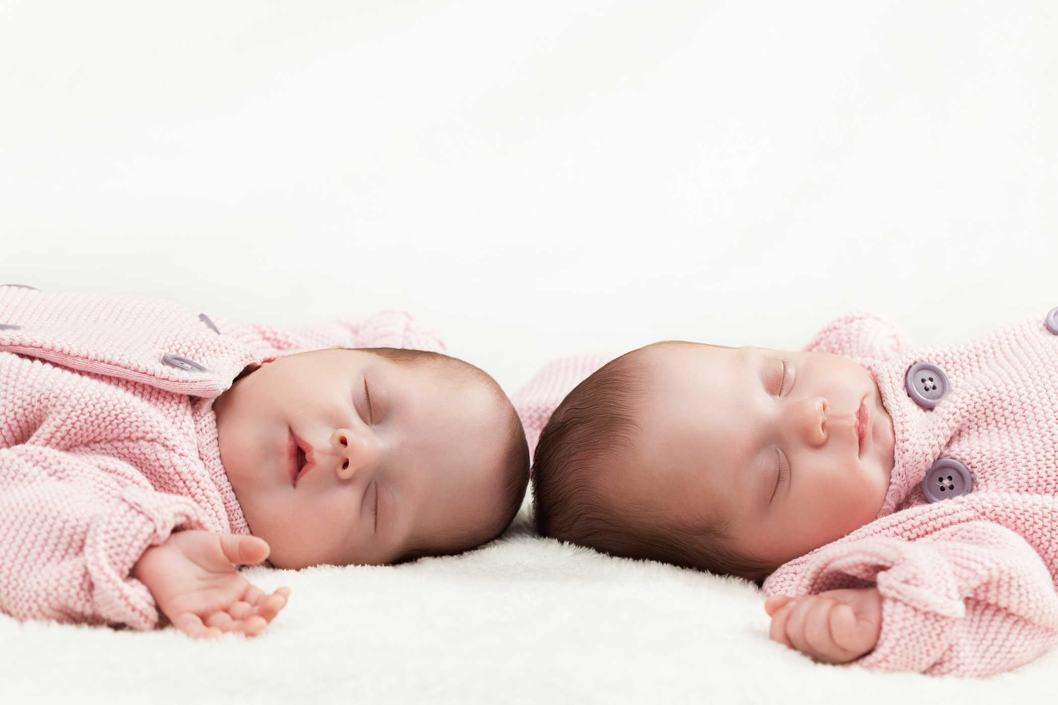 anak kembar. foto: shutterstock