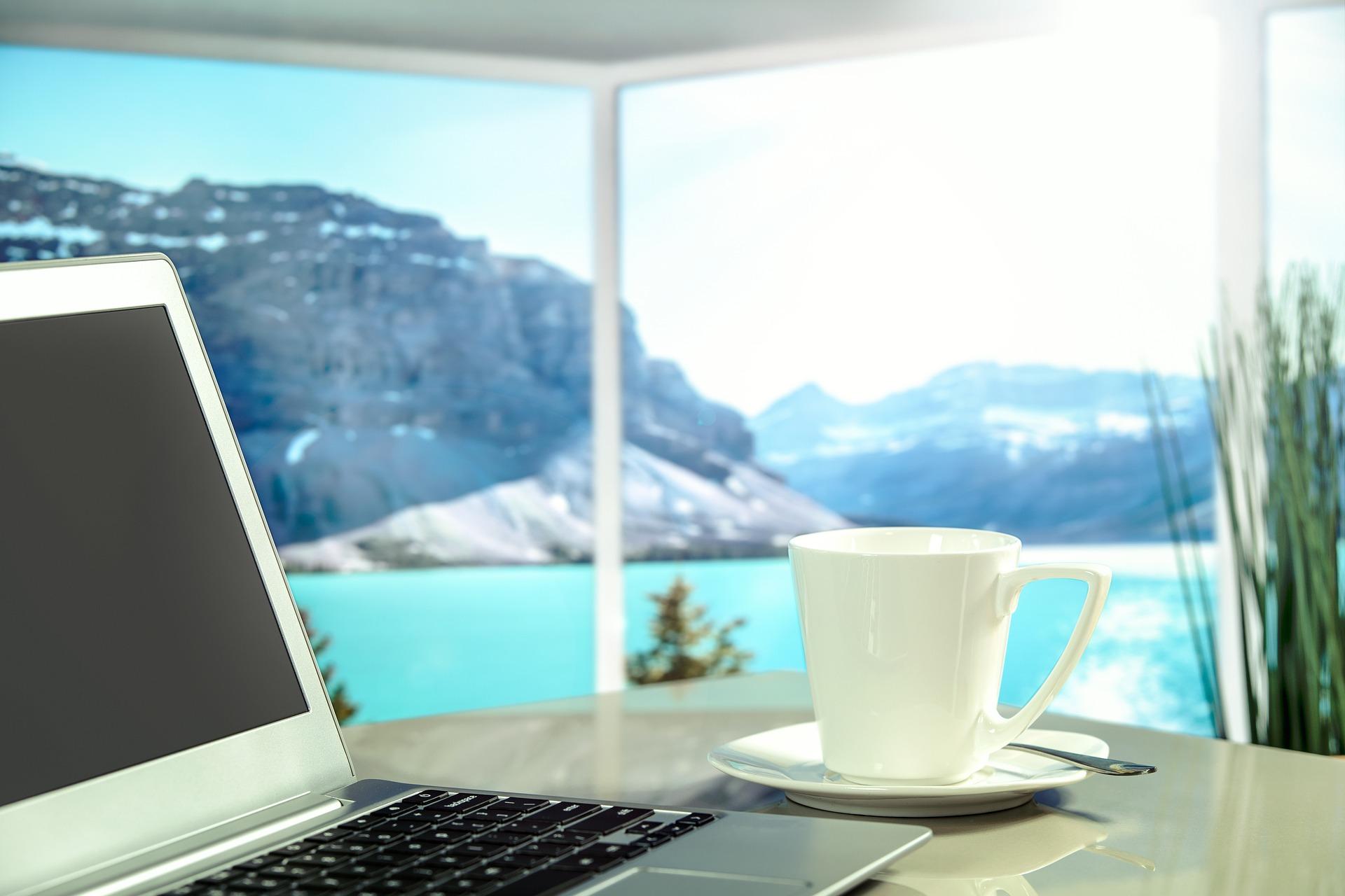 Bekerja yang baik, bersinergi, dan bermanfaat adalah saat tidak ada rasa stres atau terganggunya kesehatan mental jiwa. (foto: pixabay)