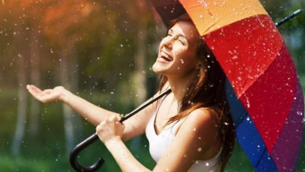 Ilustrasi hujan di luar. (Foto: Shutterstock)