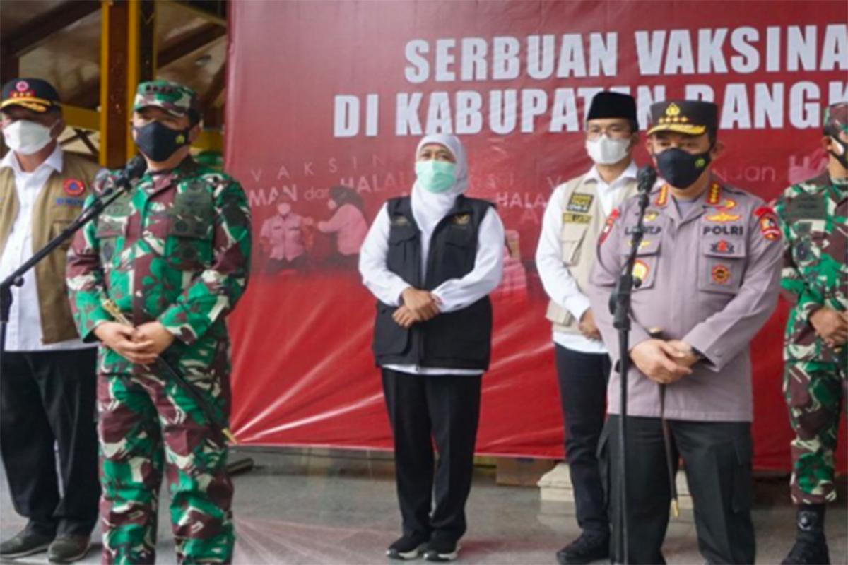 Panglima TNI Marsekal TNI Hadi Tjahjanto bersama Kapolri Jenderal Pol Listyo Sigit Prabowo. Foto: Antara