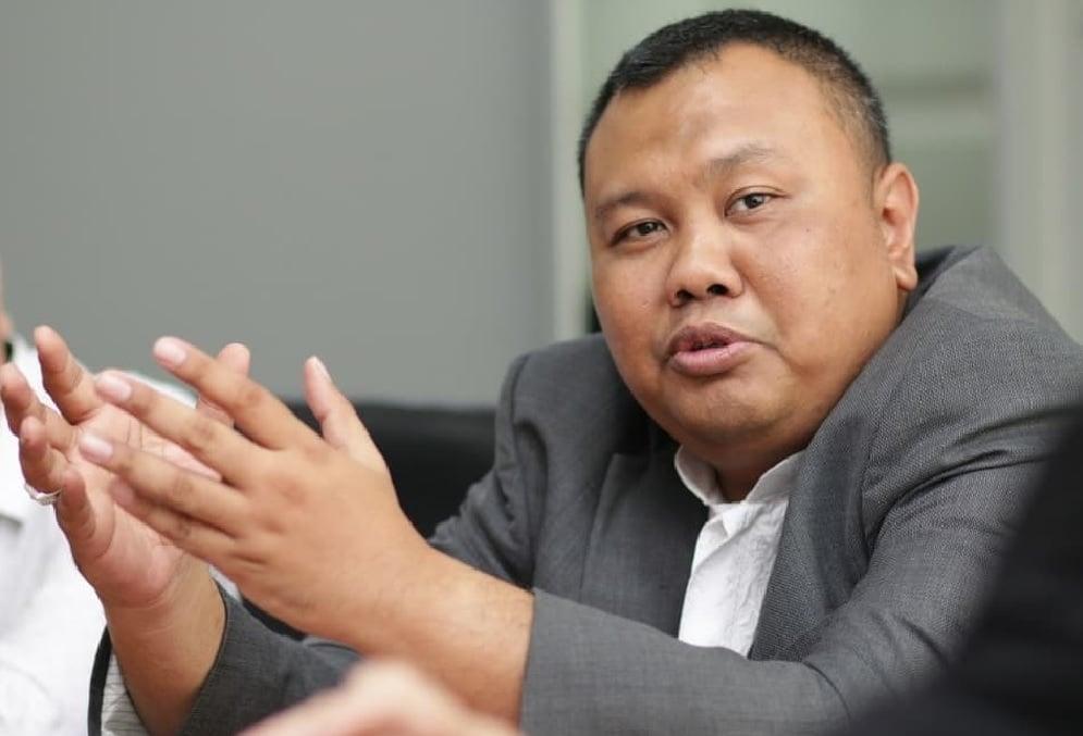 Pendiri Lembaga Survei KedaiKopi Bongkar Anies Baswedan, Ternyata - Pendiri KedaiKopi Hendri Satrio (Foto: Instagram/hendrisatrio)