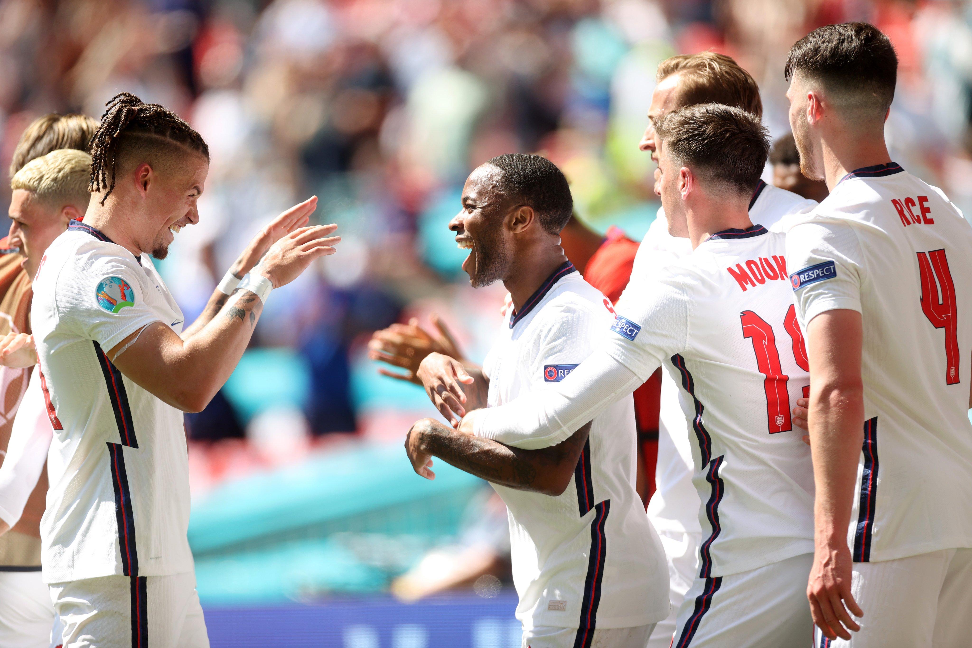 Selebrasi Raheem Sterling dalam laga Inggris vs Kroasia di Piala Eropa 2020. (foto: twitter.com/England)