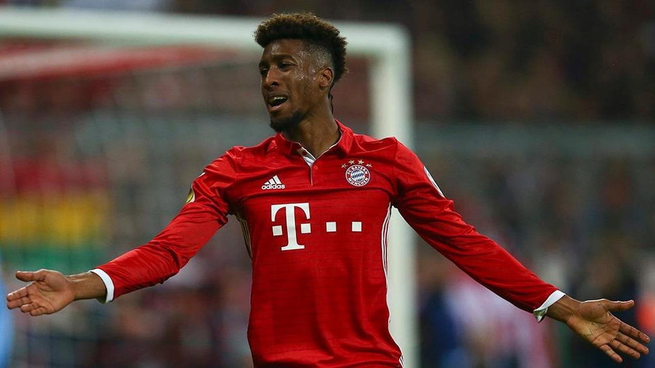 Penyerang Bayern Munchen, Kingsley Coman, membuat timnya pusing tujuh keliling di bursa transfer. (foto: Reuters)