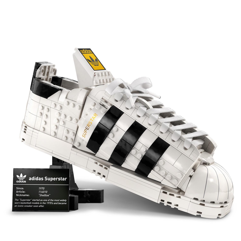 Intip Koleksi Sneaker Terbaru Adidas Berdesain LEGO yang Nyentrik
