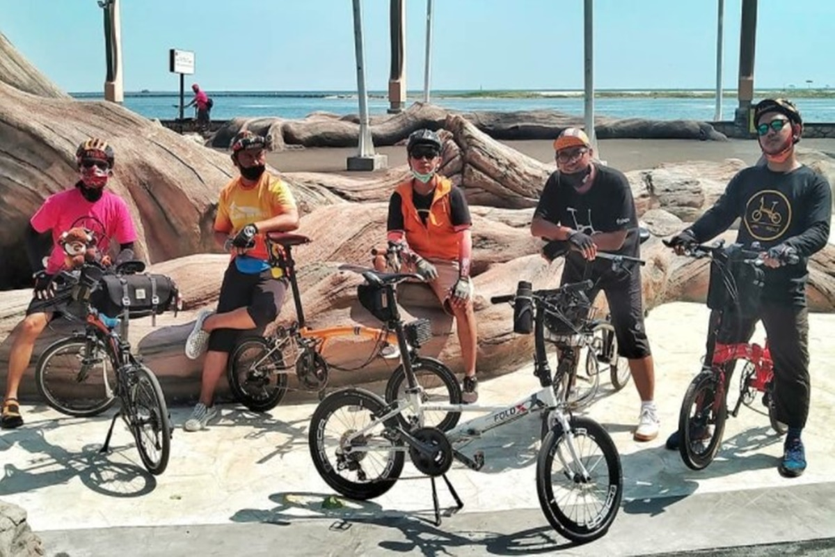 Gowes Malam Hari, Jakarta Sepeda Lipat Solid Keliling Jakarta