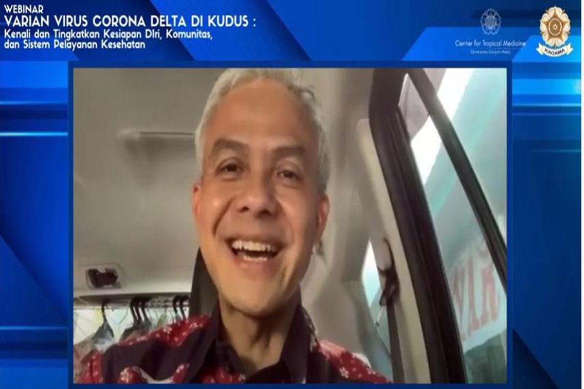Gubernur Jawa Tengah Ganjar Pranowo dalam webinar bertajuk Varian Virus Corona Delta di Kudus, kenali dan tingkatkan kesiapan diri, komunitas dan sistem pelayanan kesehatan, Rabu (16/6). (Foto: Humas UGM)