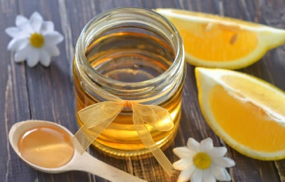 Setiap Pagi Minum Lemon Campur Madu Khasiatnya Mencengangkan (Foto: Shutterstock)