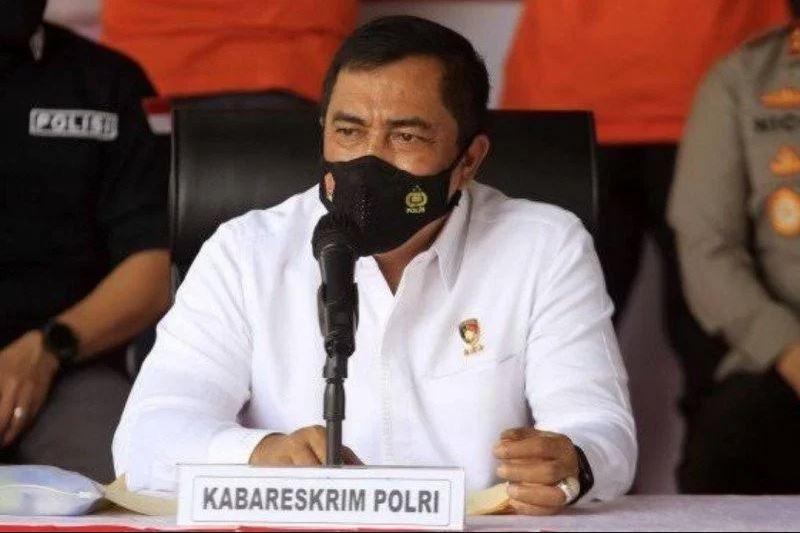 Kabareskrim Komjen Pol Agus Andrianto membeber isi Telegram yang diterbitkan oleh Kapolri Jenderal Listyo Sigit Prabowo. (Foto: Antara)