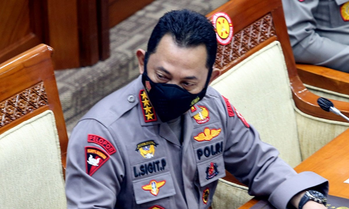 Kapolri Jenderal Listyo Sigit Prabowo saat rapat bersama anggota DPR. (Foto: Ricardo/JPNN)