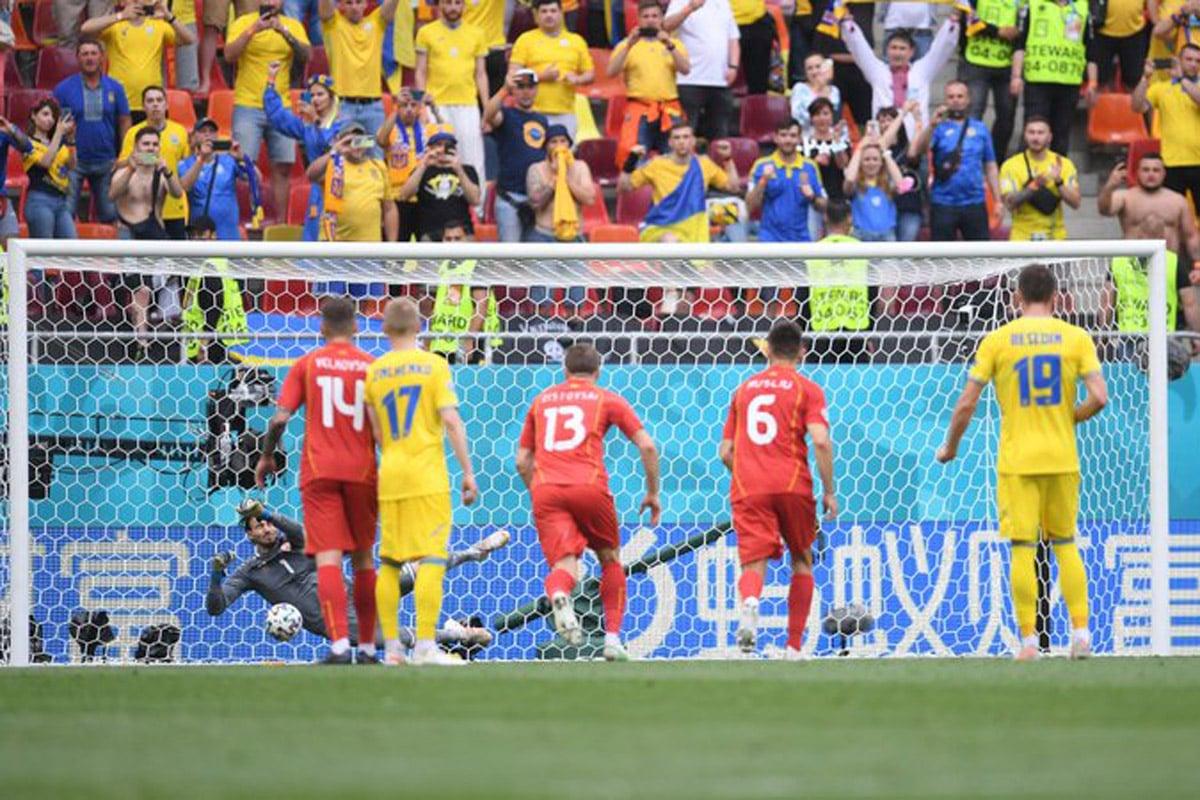 Makedonia Utara justru ditekuk Ukraina dengan skor 1-2 pada Piala Eropa 2020 di Arena Nationala, Kamis (17/6) malam WIB. Foto: Twitter/Euro2020