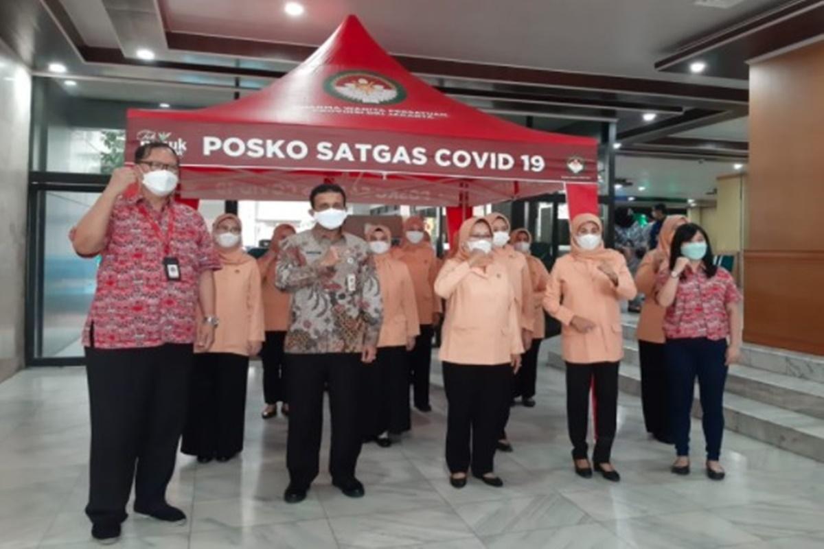 Mayora melalui produk Teh Pucuk Harum, mendukung langkah pemerintah dalam penanganan covid-19 (foto: Dok. Mayora)