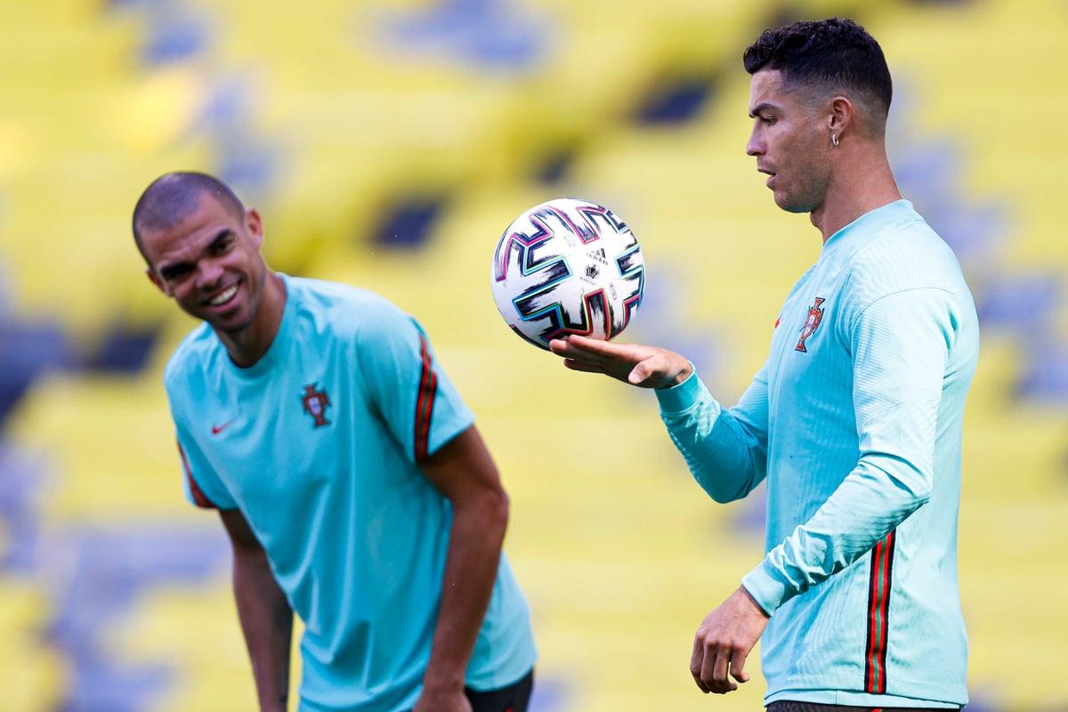 Cristiano Ronaldo Cetak Rekor, Lionel Messi Makin Jauh