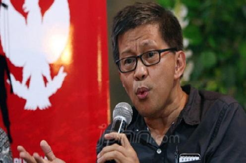 Mendadak Rocky Gerung Bongkar PDIP, Isinya Ngeri-Ngeri Sedap (Foto: JPNN.com/GennPI.co)