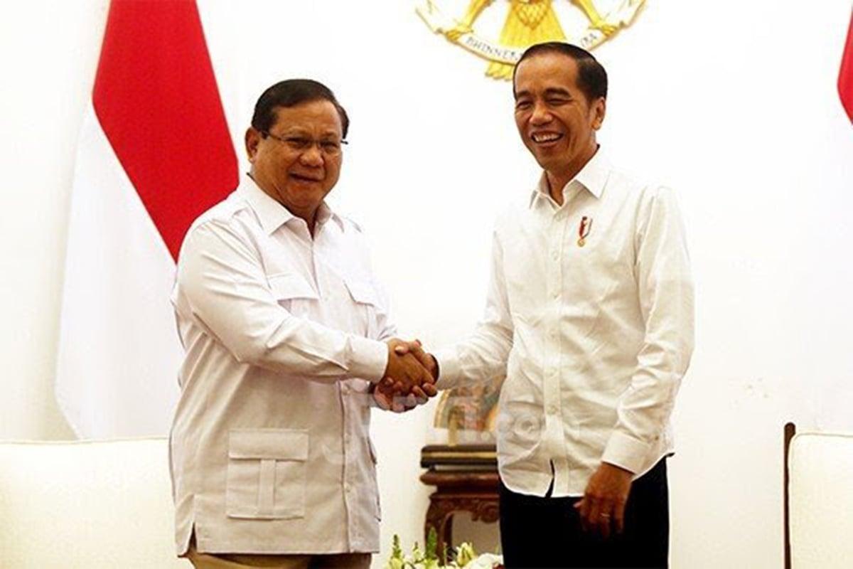 Presiden RI Joko Widodo (Jokowi) dan Menteri Pertahanan Prabowo Subianto. Foto: JPNN.com/GenPI.co