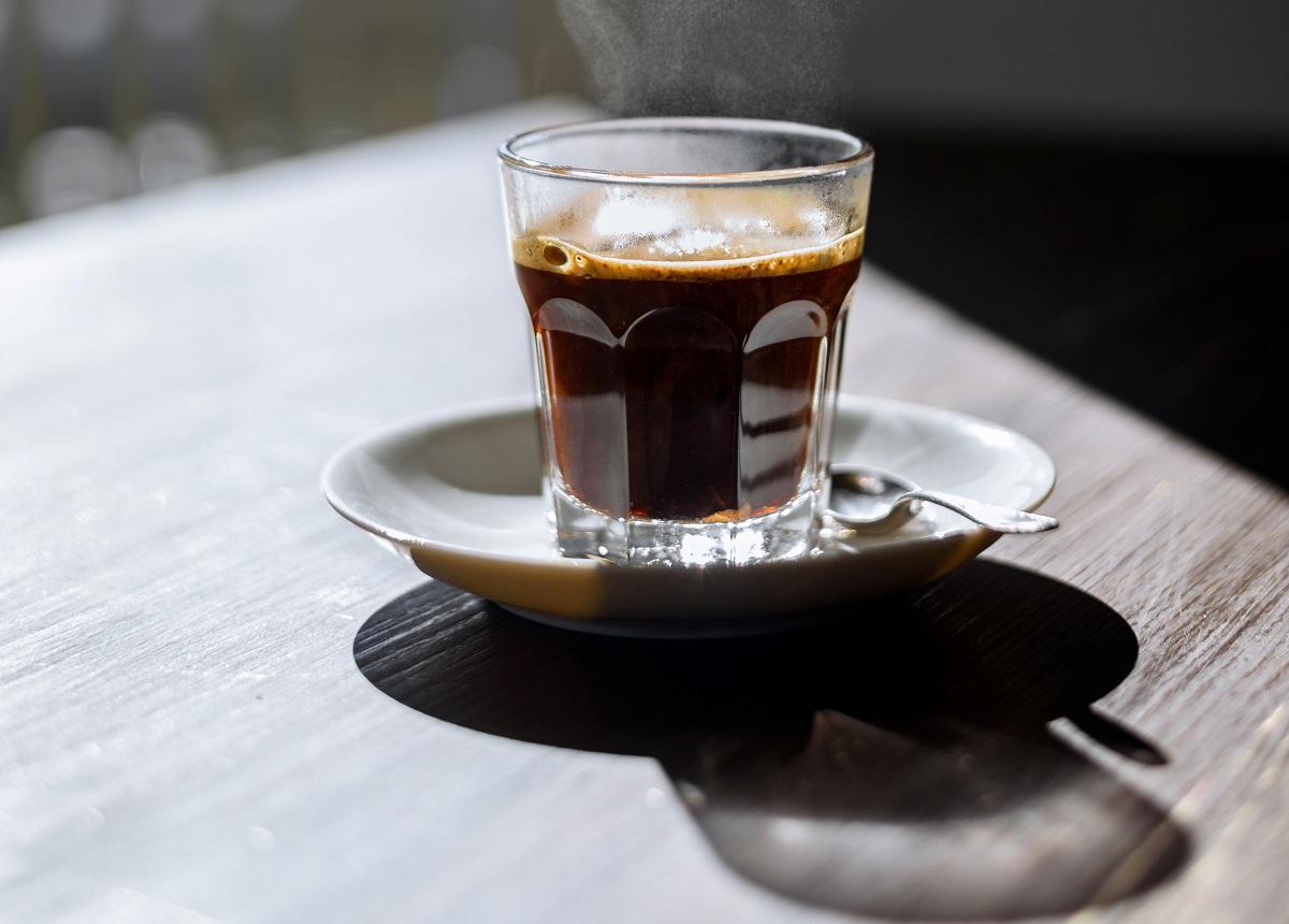 ilustrasi kopi hitam. foto: envato elements