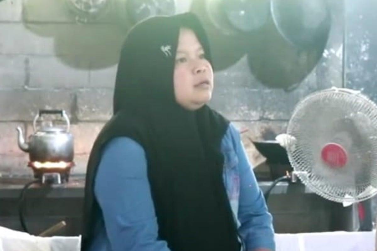 Istiyah, sukses lewat bisnis Cilok Baraya (foto: SC YouTube PPKH Kabupaten Magelang)